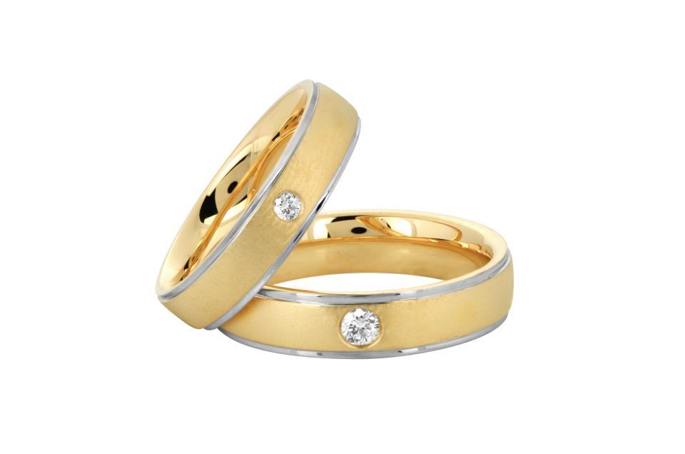 Кольцо обручальное с бриллиантами женское